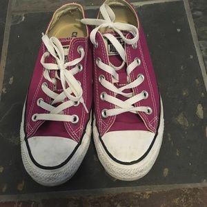 Converse women's size 6 chuck taylor